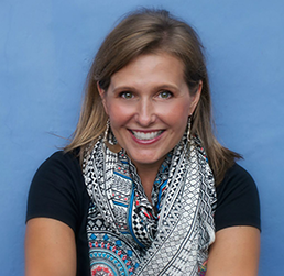 Stacey Edgar started the company Global Girlfriend in 2013.